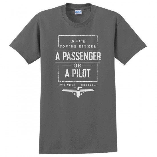 "Футболка ""Passenger or Pilot"""