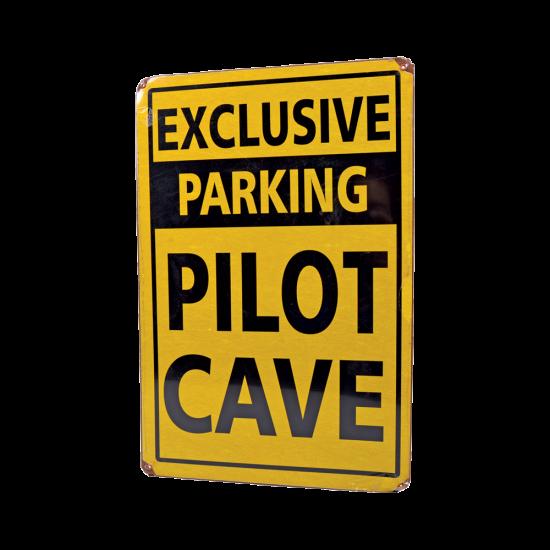 Знак авиационный EXCLUSIVE PILOT CAVE металлический