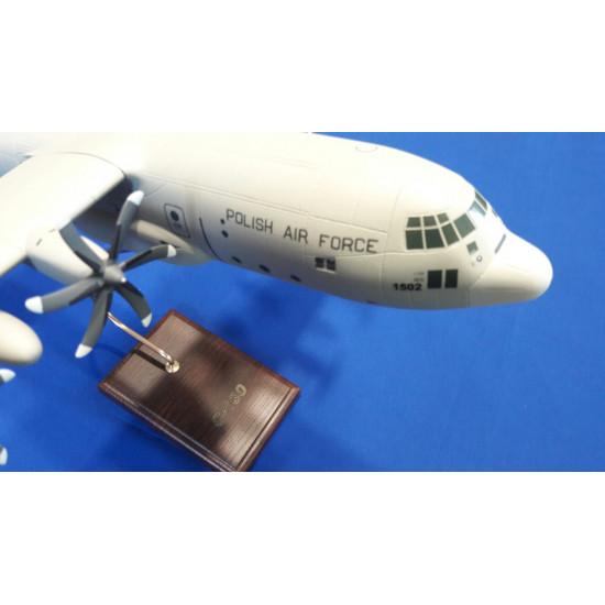 Модель самолета С-130 1:72