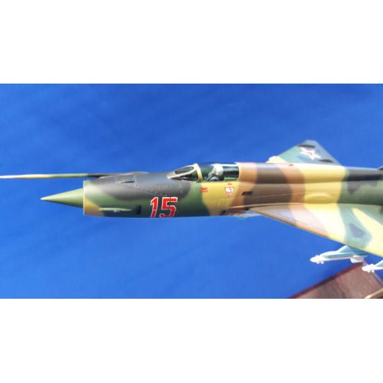 Модель самолета МиГ-21 1:48