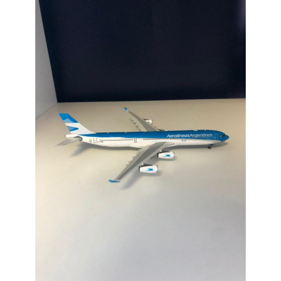 Модель самолета AIRBUS A340-300 AEROLINAS ARGENTINAS LV-CSE