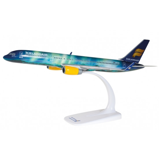 Модель самолета BOEING 757-200 ICELANDAIR HEKLA AURORA BOREALIS TF-FIU 1:200