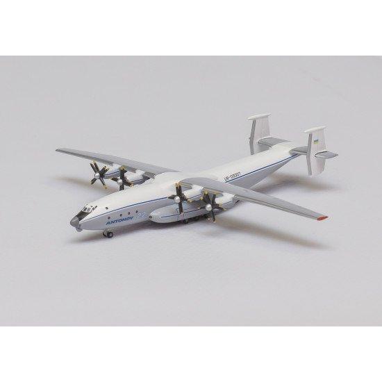 Модель самолета Антонов Ан-22 Антей