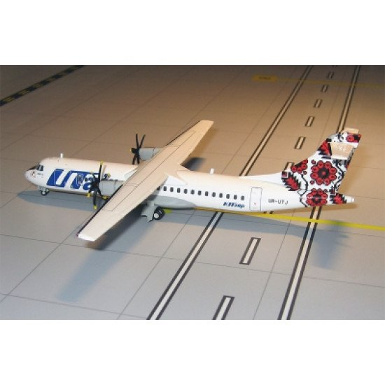 Модель самолета ATR 72 Ютэйр